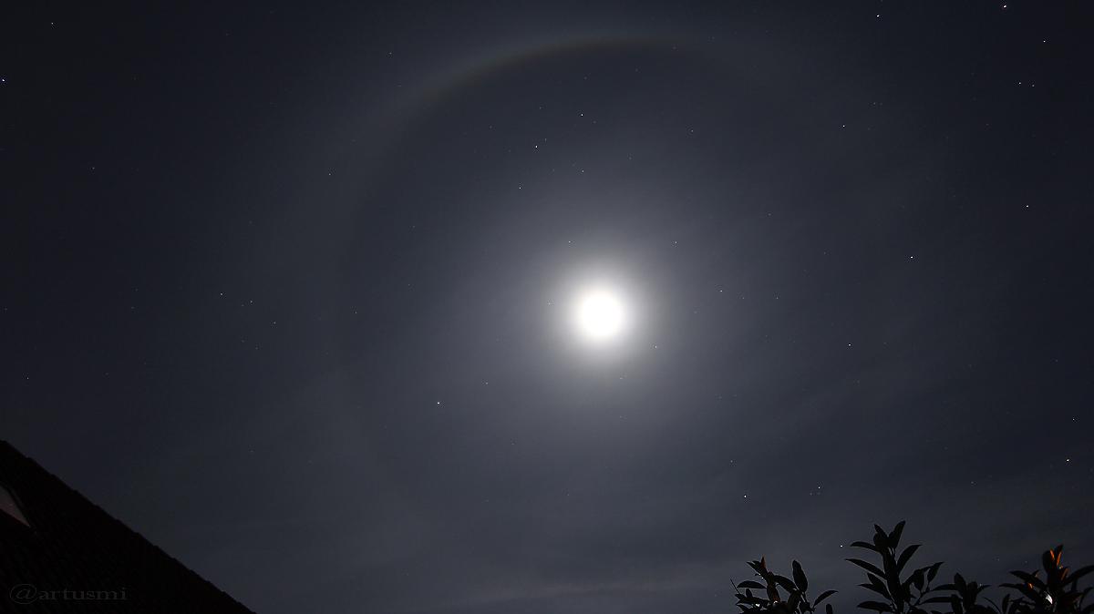 Mondhalo - 22°-Ring am 18. Februar 2016 um 23:19 Uhr