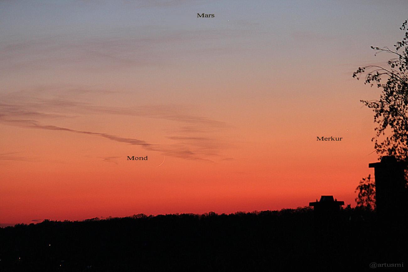 Trio schmale Mondsichel, Mars und Merkur am 19. April 2015 um 21:01 Uhr