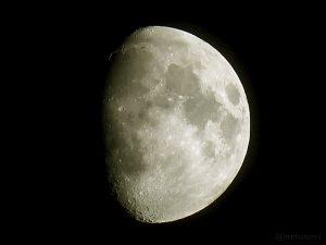 Goldener Henkel am Mond - 29. Mai 2015 um 00:01 Uhr