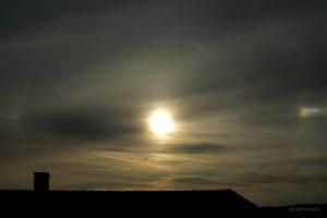 Linke und rechte Nebensonne am 19. September 2008 um 17:48 Uhr