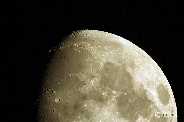 Goldener Henkel am Mond am 16. August 2013 um 22:22 Uhr