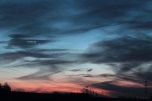 Venus und Merkur am 18. Januar 2015 um 17:40 Uhr am Westhimmel