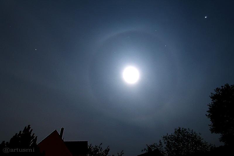 Beobachtung eines Halos um den Mond