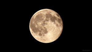 Abnehmender Mond am 2. Juli 2015 um 22:41 Uhr