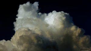 Cumulonimbus 5. Juli 2015 um 21:10 Uhr am Osthimmel