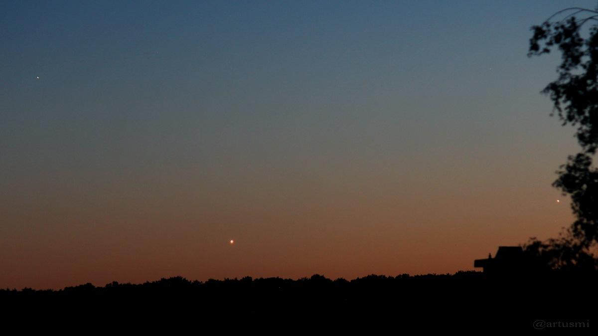 Dreieck Regulus - Venus - Jupiter am 10. Juli 2015 um 22:54 Uhr am Westhimmel