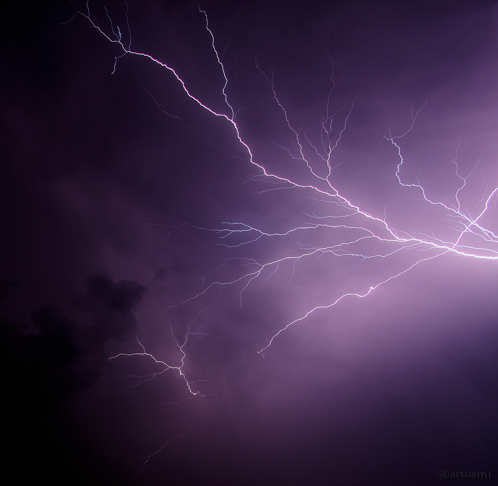 Gewitter mit vielen Blitzen, aber leider ohne Regen