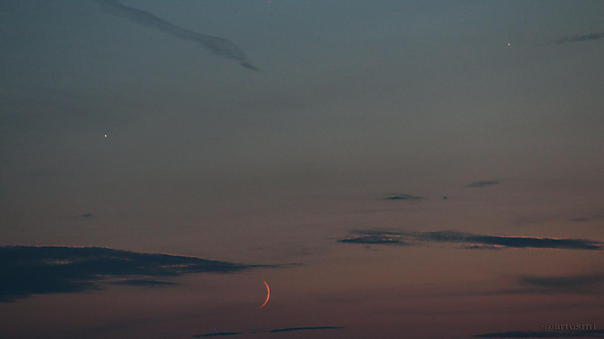 Trio Venus, schmale Mondsichel und Jupiter