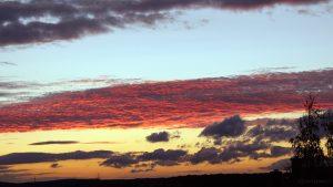 Wolken nach dem Sonnenuntergang am 13. September 2011 um 19:46 Uhr