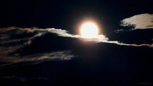 Tiefstehende Sonne am 22. September 2015 um 18:34 Uhr
