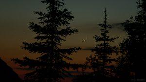 Merkur und schmale Mondsichel am 17. Mai 2007 um 22:03 Uhr