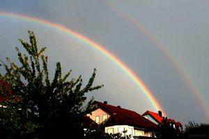 Haupt- und Nebenregenbogen am 27. September 2012 um 18:24 Uhr