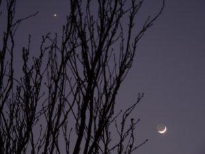 Venus und Mond mit Erdlicht am 29. Januar 2009 um 17:54 Uhr