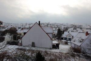 Schneebedecktes Eisingen am 2. Dezember 2012 um 10:43 Uhr