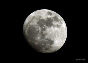 Zunehmender Mond mit Blick auf Mondnordpol am 12. Februar 2014 um 18:14 Uhr
