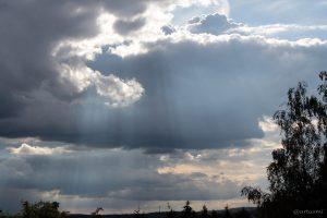 Wolkenstrahlen am 13. Mai 2014 um 18:01 Uhr
