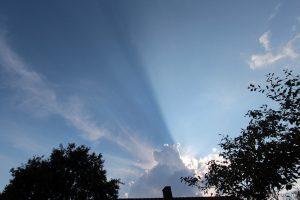 Wolkenstrahlen am 23. Juli 2014 um 18:36 Uhr