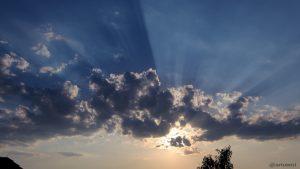 Wolkenstrahlen am 7. August 2015 um 19:46 Uhr