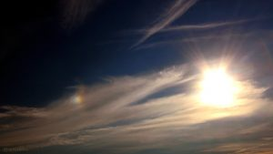 Sonne mit linker Nebensonne am 3. Oktober 2015 um 16:59 Uhr