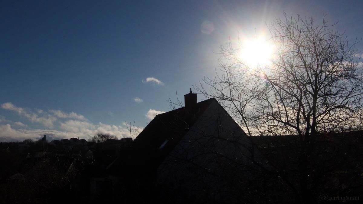 Sonnenstand am 21. Dezember 2015 um 13:08 Uhr, ein Tag vor der Winter-Sonnenwende