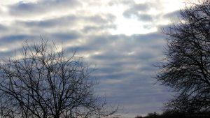 Die Sonne weicht den Wolken am 14. Januar 2016 um 14:48 Uhr