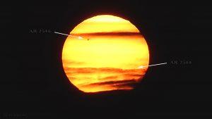 Sonnenfleckengruppen AR 2546 und AR 2544 beim Sonnenuntergang am 17. Mai 2016 um 20:40 Uhr
