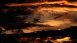 Sonne hinter Wolken am 13. Juni 2016 um 21:13 Uhr