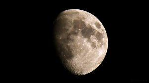 Goldener Henkel am Mond - 15. Juni 2016 um 22:33 Uhr