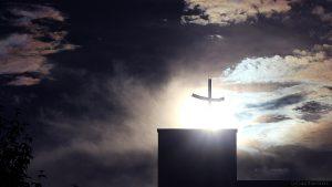 Irisierende Wolken am 17. Juni 2016 um 19:47 Uhr