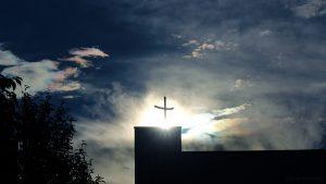 Irisierende Wolken am 17. Juni 2016 um 19:48 Uhr