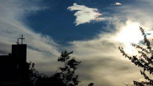 Irisierende Wolken am 17. Juni 2016 um 19:50 Uhr