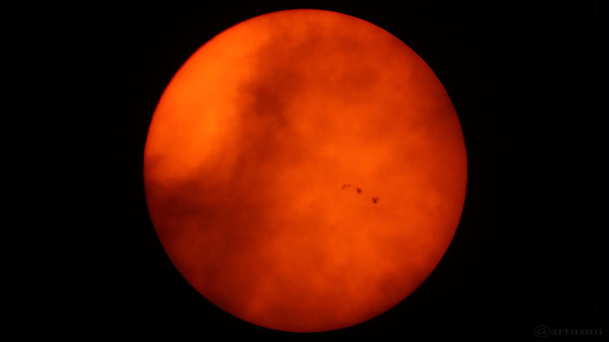 Sunspots – AR 2565 und 2567 zwischen Wolken