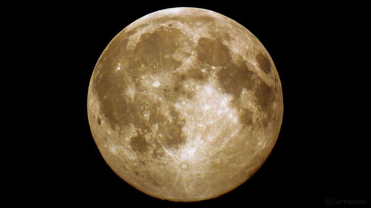 Der Mond am 19. Juli 2016 um 23:15 Uhr