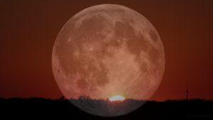 Sonnenuntergang mit Vollmond am 19. Juli 2016 um 21:13 Uhr