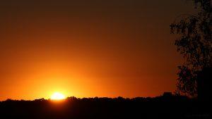Dritter Sonnenuntergang ohne Wolken in Folge - 25. August 2016 um 20:11 Uhr