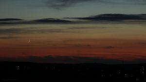 Mond und Venus am Westhimmel - 3. September 2016, 20:38 Uhr