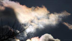 Irisierende Wolken am 2. November 2016 um 15:20 Uhr