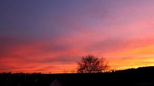 Prächtiges Abendrot nach Sonnenuntergang am 30. November 2016 um 16:32 Uhr