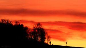 Prächtiges Abendrot nach Sonnenuntergang am 30. November 2016 um 16:47 Uhr