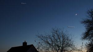 Dreieck Mars-Venus-Mond am 3. Dezember 2016 um 17:00 Uhr