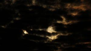 Mond hinter Wolken - 13. Dezember 2016, 05:54 Uhr