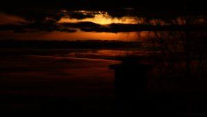 Monduntergang hinter Wolken - 13. Dezember 2016, 06:29 Uhr