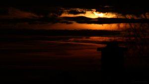 Monduntergang hinter Wolken - 13. Dezember 2016, 06:30 Uhr