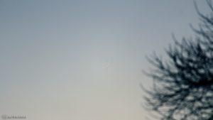 Schmale Mondsichel nach Neumond am 30. Dezember 2016 um 16:51 Uhr