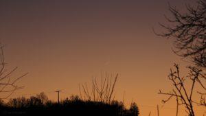 Schmale Mondsichel nach Neumond am 30. Dezember 2016 um 17:03 Uhr