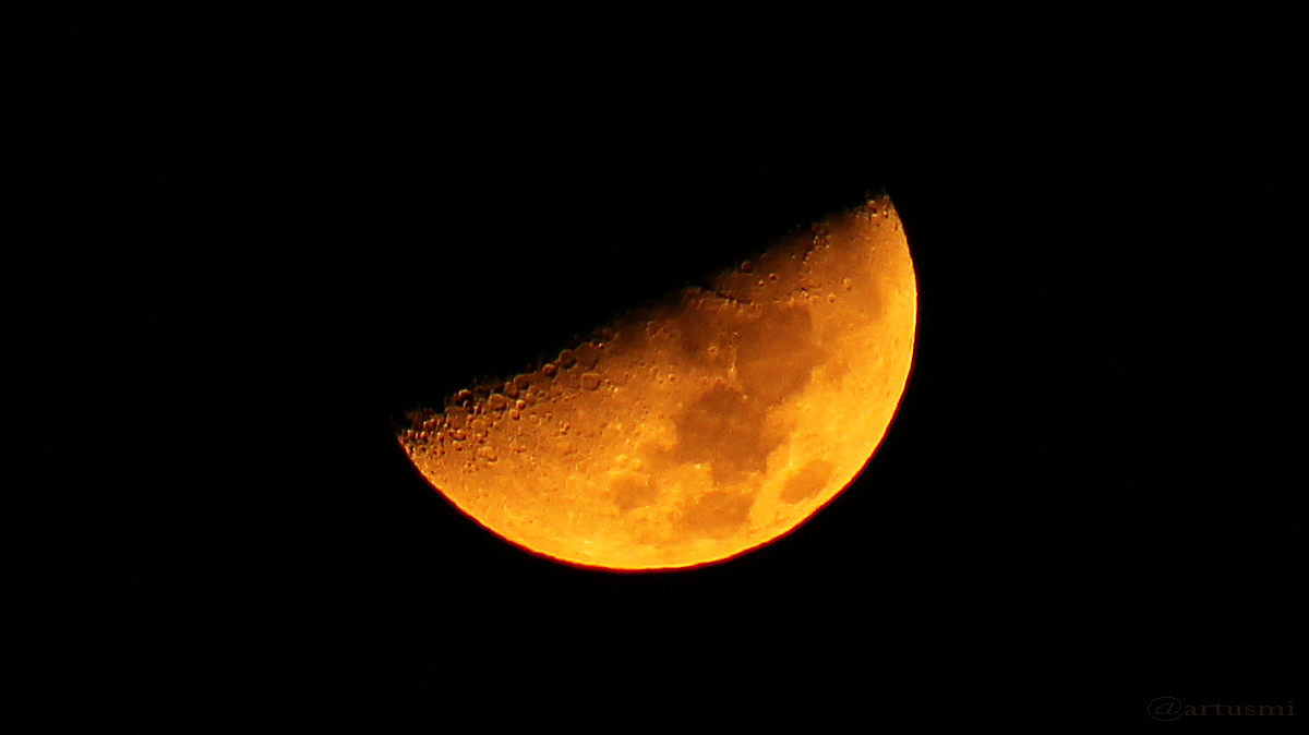 Untergehender Mond am 6. Januar 2017 um 00:25 Uhr