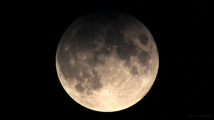 Maximum der Halbschatten-Mondfinsternis am 11. Februar 2017 um 01:44 Uhr