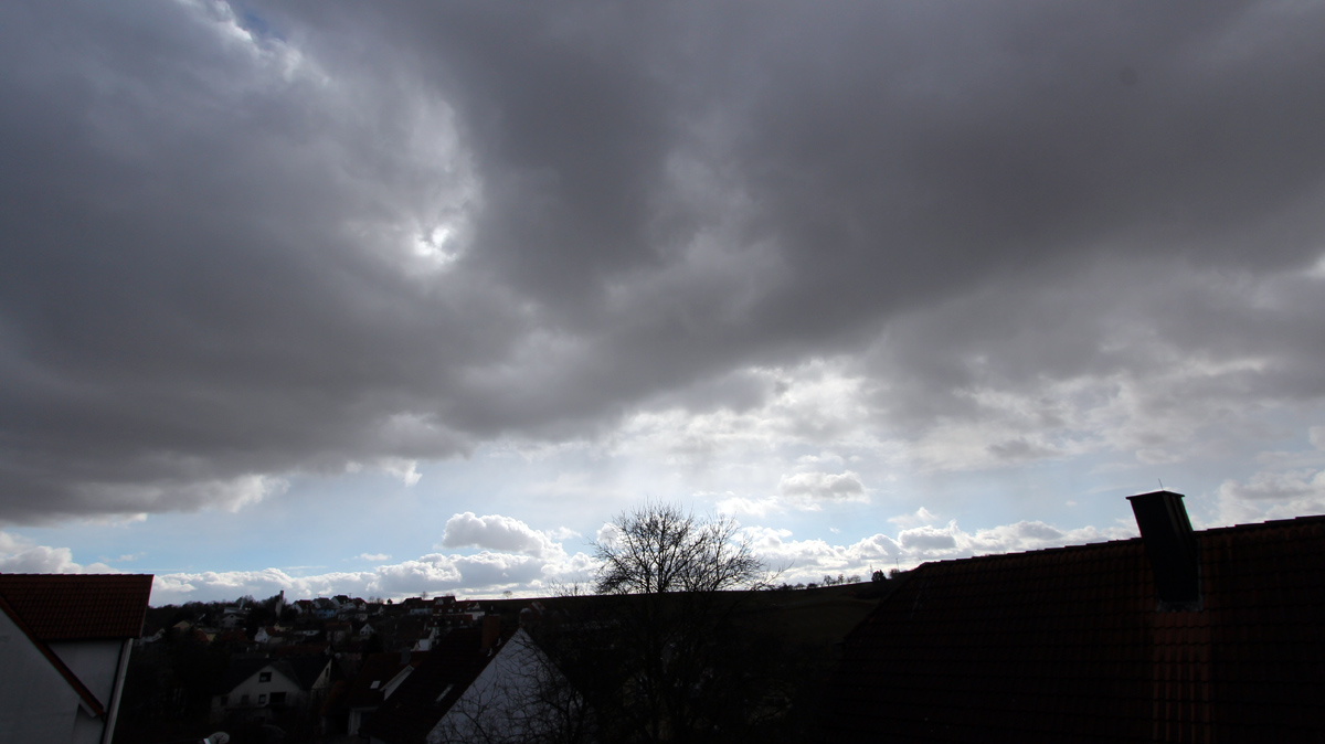 Nach dem Sturmtief Thomas - Wetterbild vom 24. Februar 2017, 13:28 Uhr