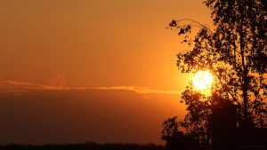 Untergehende Sonne am 28. April 2017 um 20:13 Uhr
