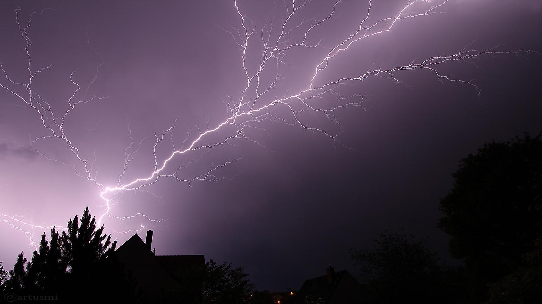 Blitze während des Gewitters am 19. Mai 2017 um 03:04 Uhr